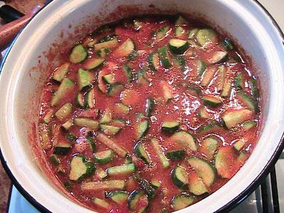 Салат из огурцов в томате на зиму – кулинарный рецепт
